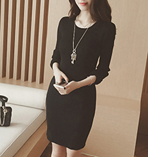 Womens Sweater Dress – Long Sleeves / Black