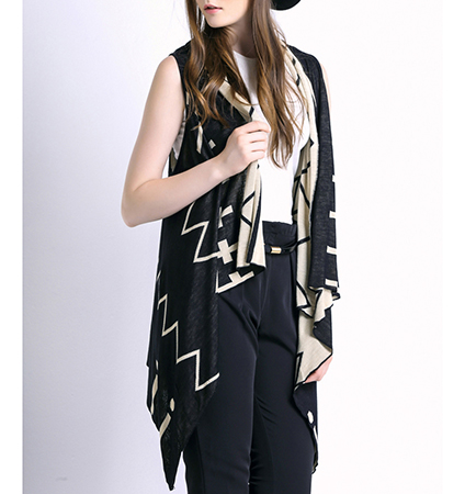 Womens Flowing Vest – Black and Tan / Ruffled Lapels
