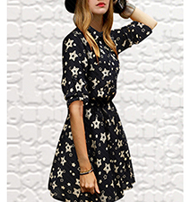 Fit and Flare Floral Dress – Black and White / Collar / Flared Skirt